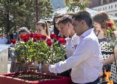 Ofrenda floral en recuerdo a las víctimas del terrorismo.