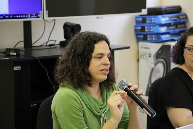 "Palestra | ""A Literatura se faz Trans"" de Amara Moira"