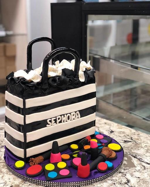 Cake by Lykeisha The Baker