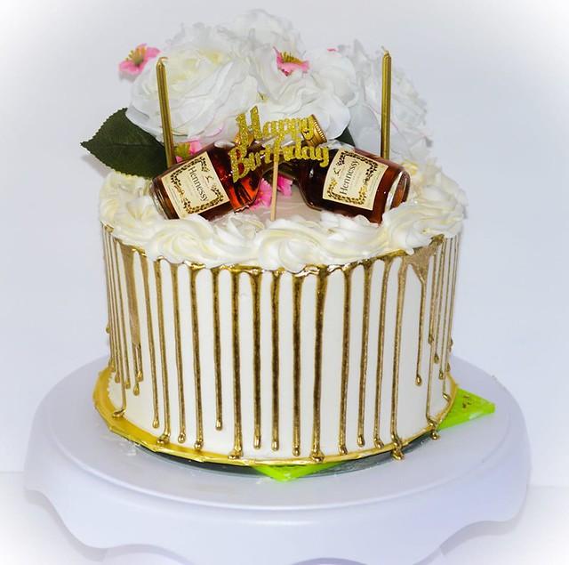 Cake by Lakay Cakes