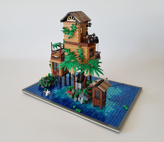 Loner's Paradise MOC. Behind the palm trees.