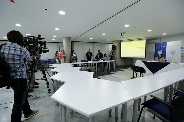 Rueda de prensa - Textos escolares - Quito