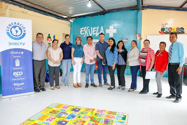 """Firma del Convenio """"Escuela+"""" entre el Ministerio de Educación y DirecTV - Manta"""