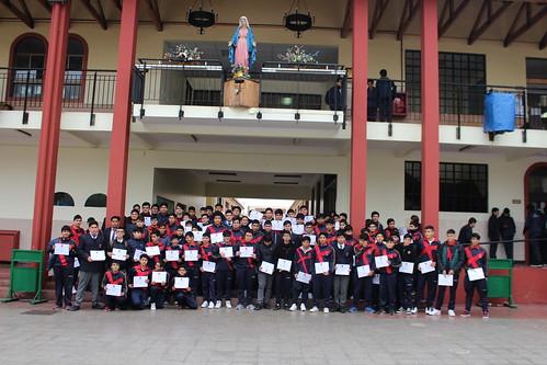 Reconocimiento a estudiantes con asistencia destacada