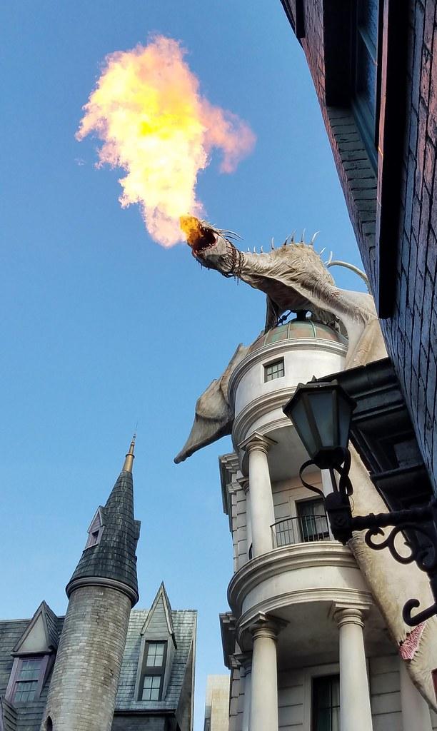 Dragon on Gringotts [FlickrFriday] [King of the Hill]