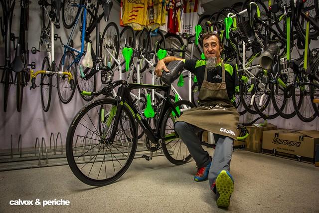 El Cojo Cabrón i su bici - Retrat ciclista a Juanjo Méndez 'el Cojo Cabrón'