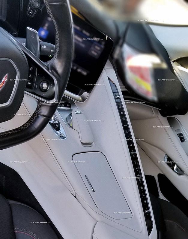 7d46ff2a-2020-corvette-c8-interior-6