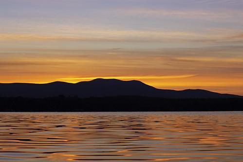 lakewinnipesaukee newhampshire sunset threemileisland water