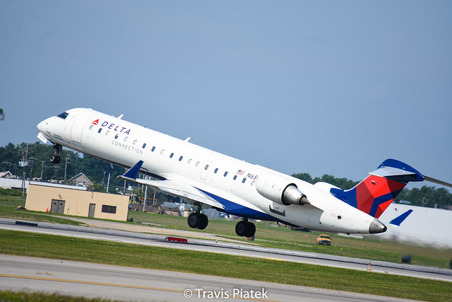 GoJet Airlines –  Bombardier CRJ-701ER N659CA @ Buffalo Niagara