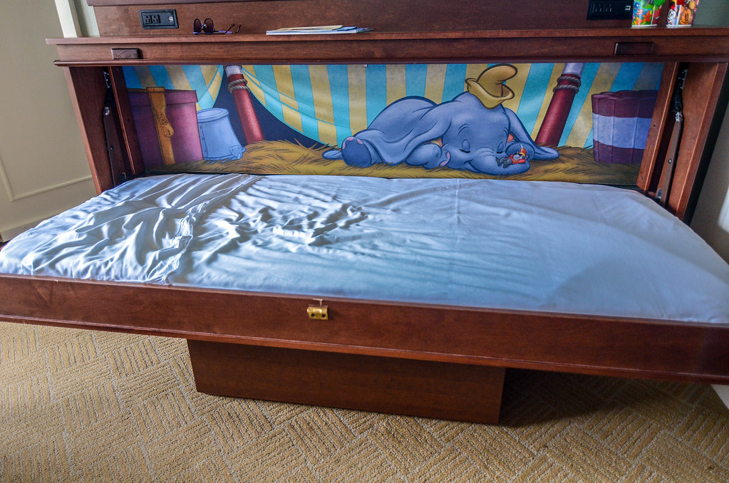 Dumbo Boardwalk bed