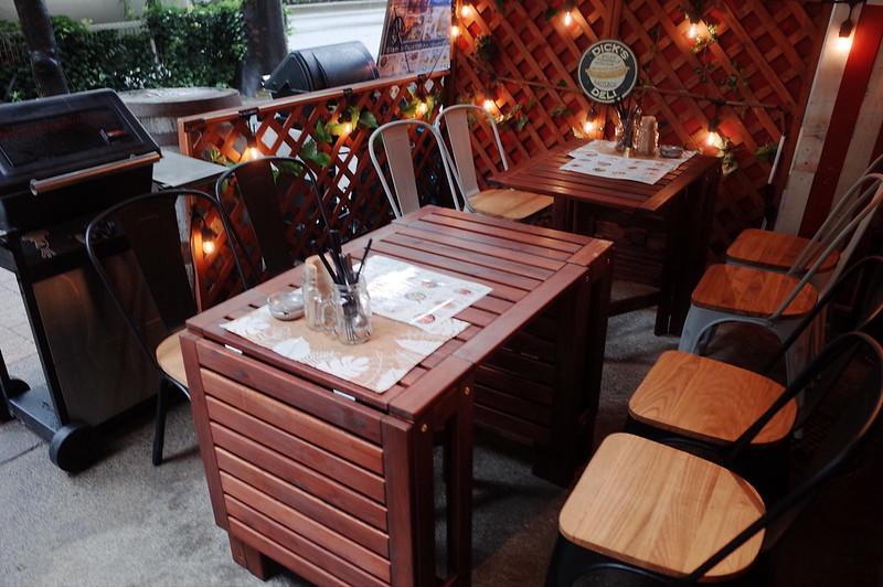 池袋西口CARTABBQテーブル