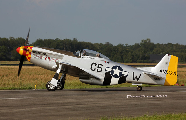 North American P-51D Mustang Trusty Rusty PH-JAT taxiing at Volkel 2019-06-15 17-56-01 Vendredi 14 juin 2019 - Volkel 2019 - mod et signe