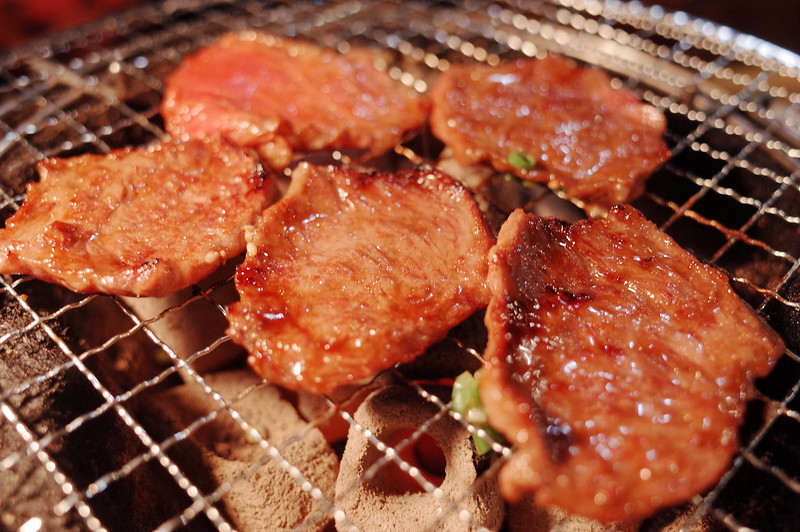 池袋川越街道大阪炭火ホルモン焼きまるかん定食のロース
