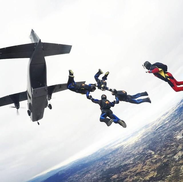 Patrulla Acrobática de Paracaidismo 2019