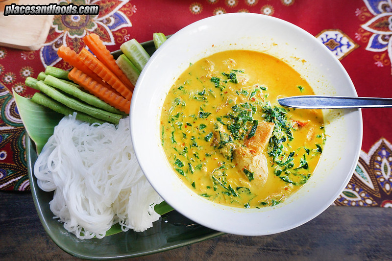 khao lak nai mueang crab curry