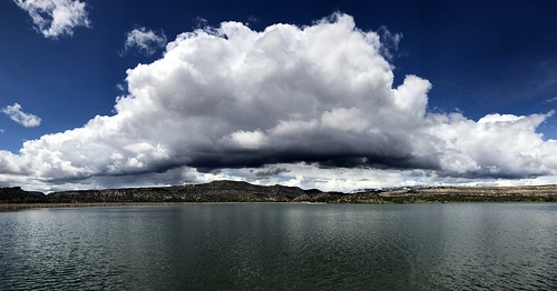 cloud sky giantcloud monstercloud skyglory widehollowreservoir escalante utah usa america amerika scenery landscape lake iphone peterch51 pano panorama