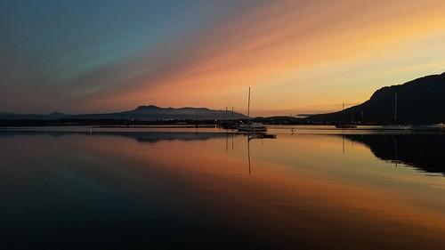 twilight sunrise landscape cloudscape sea sailboat mountains ocean tranquil samsung note8