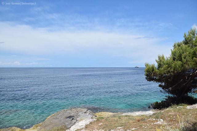 Leirintäalueen rannalla Pulassa, Kroatiassa