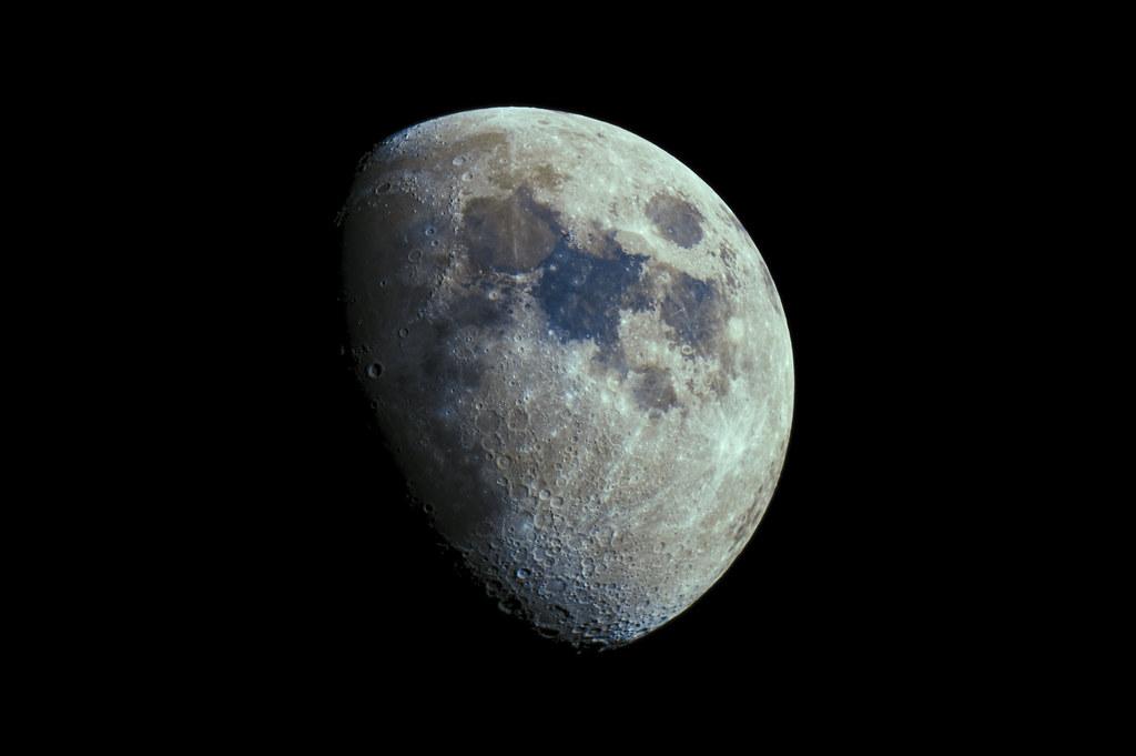 moon_190711_iso200_av