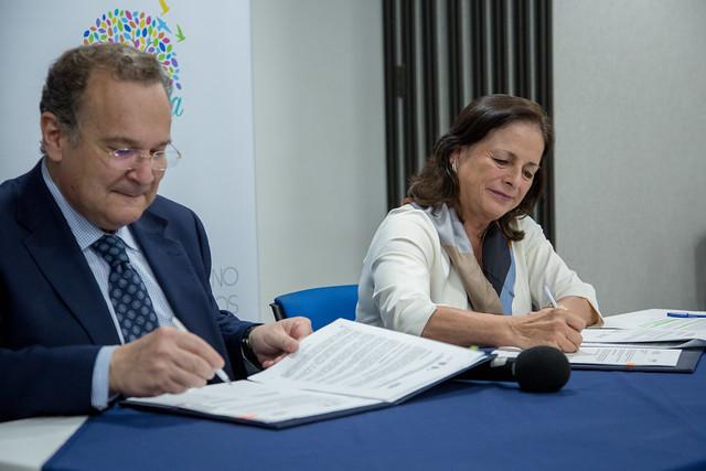 Firma del Convenio de Cooperación entre el Ministerio de Educación y la UNIR - Quito