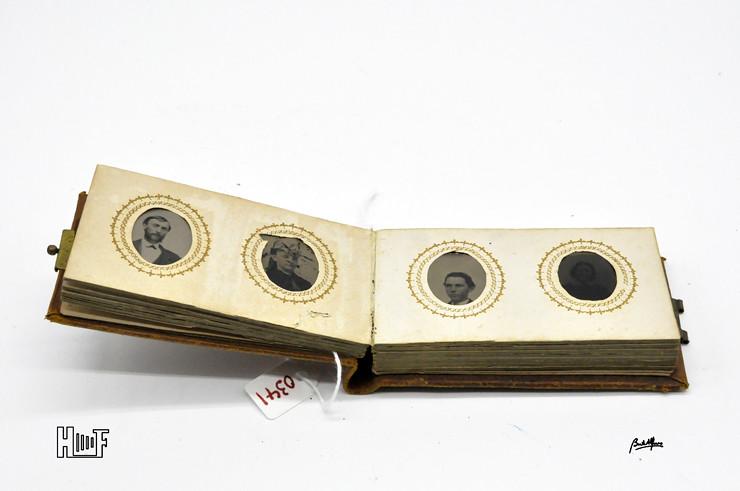 _DSC9079 Mini-album em couro com 21 ferrótipos