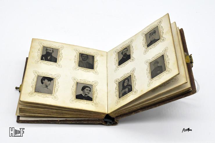 _DSC9063 Mini-album em couro com 92 ferrótipos