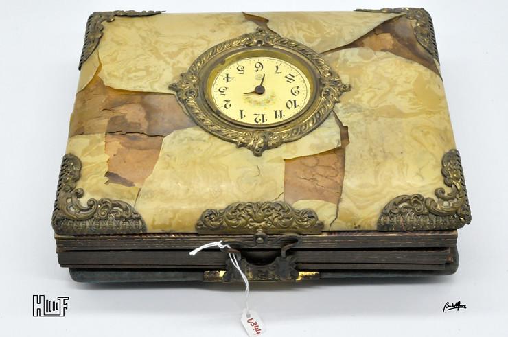 _DSC9102 Álbum de parede, com relógio, 43 Cabinets e 7 CDV's