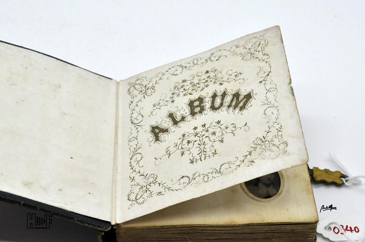 _DSC9068 Mini-album em couro com 92 ferrótipos