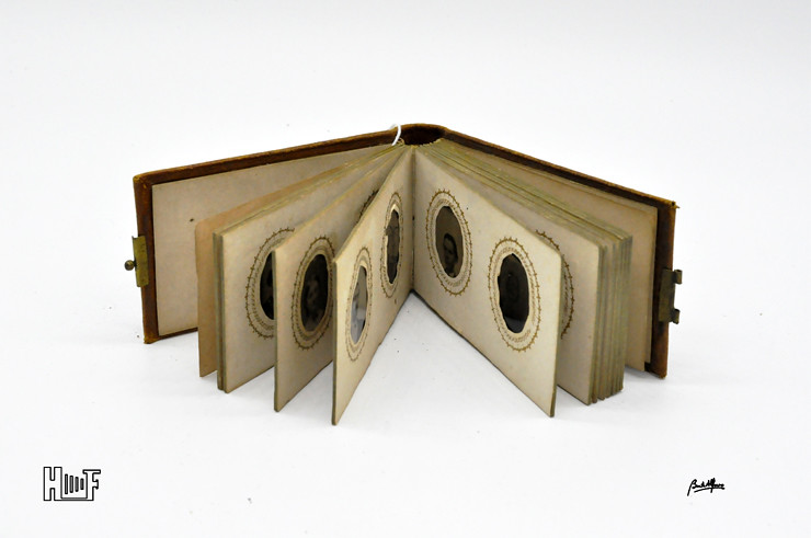 __DSC9082 Mini-album em couro com 21 ferrótipos