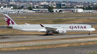 Qatar Airways A350-1041 msn 266