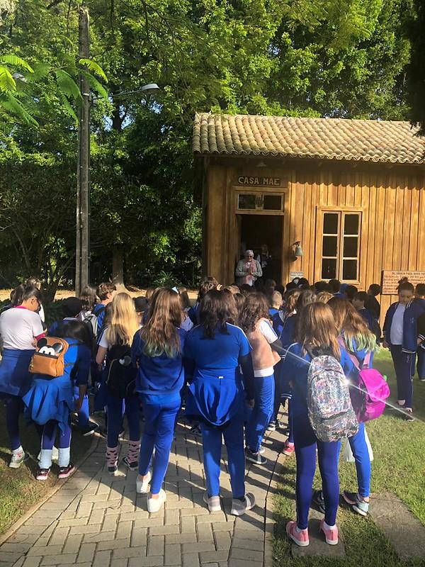 Visita dos educandos dos 5º ao Santuário Santa Paulina