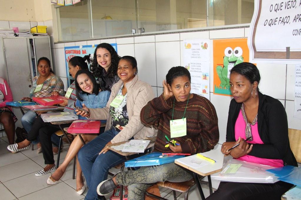 Primeira etapa da capacitação de professores para atuar com os alunos no programa jovens empreendedores  (1)