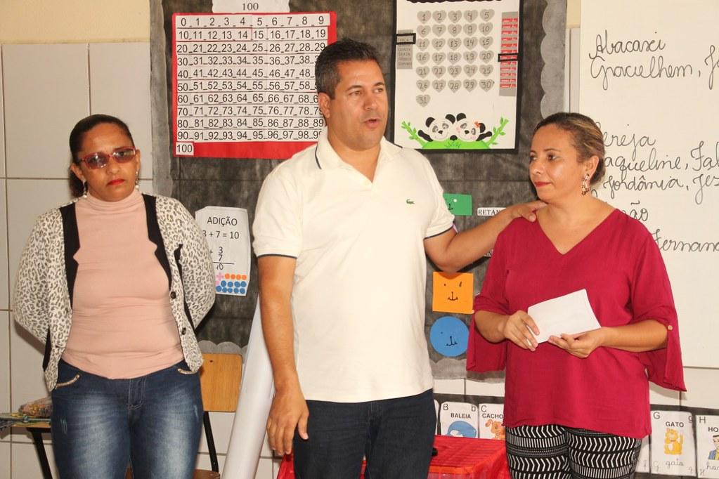 Prefeito de Alcobaça, Léo Brito, explicando a importância do programa de empreendedores na vida dos alcobacenses (2)