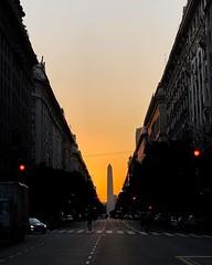 Debería sonar Piazzolla mientras uno cruza diagonal norte mirando al obelisco Buenos Aires. 17:30. #argentina :iphone: #iphonexs #buenosaires