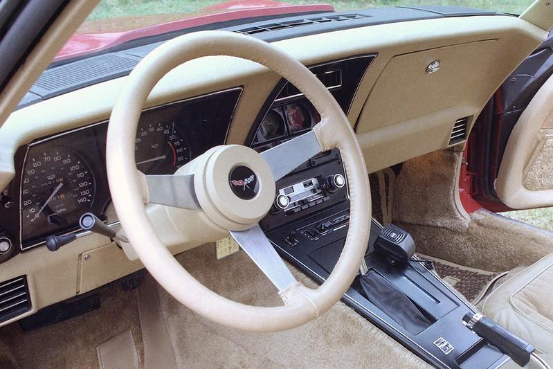 faeab8b6-corvette-steering-wheels-8