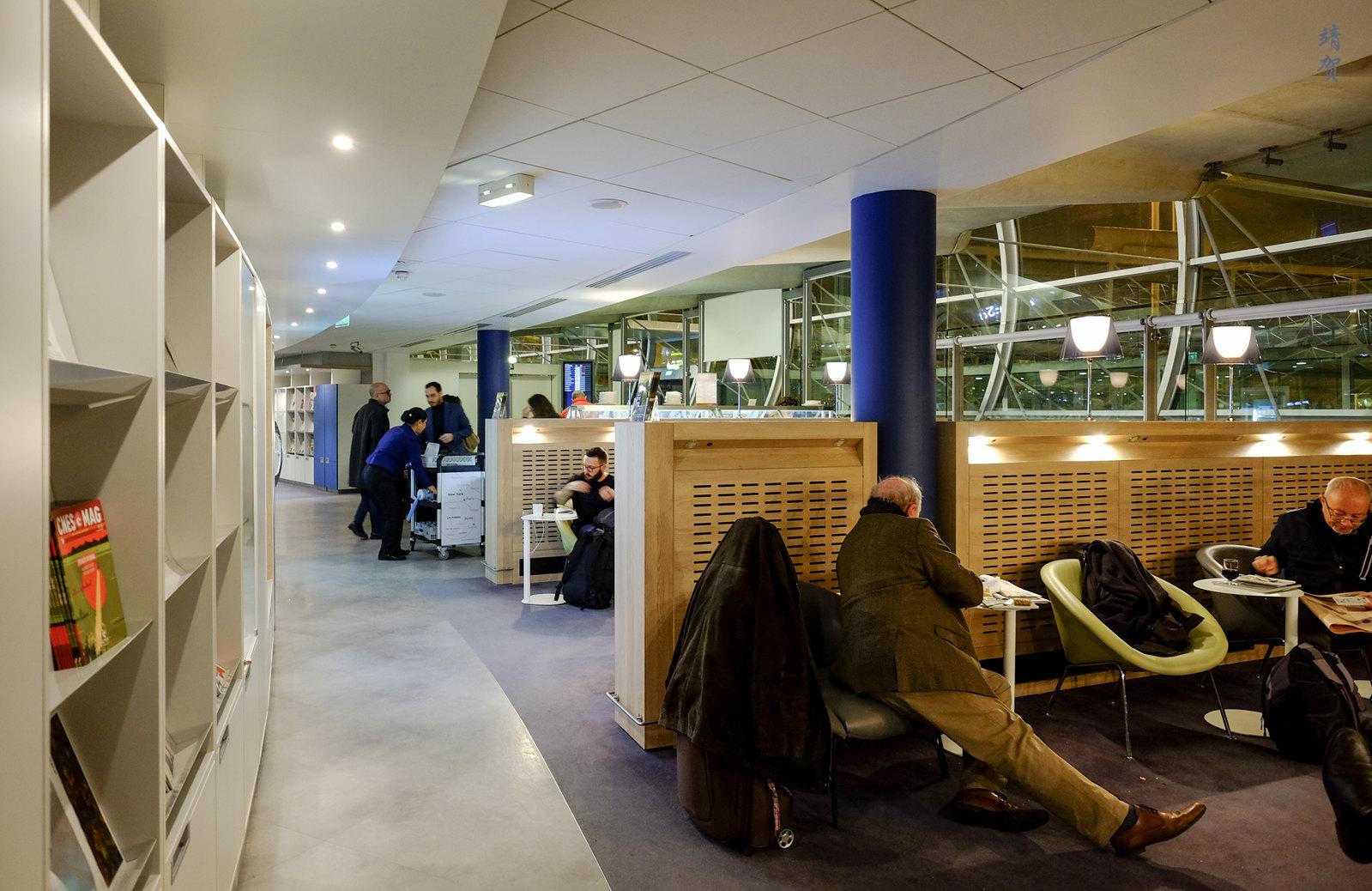 Corridors in the lounge