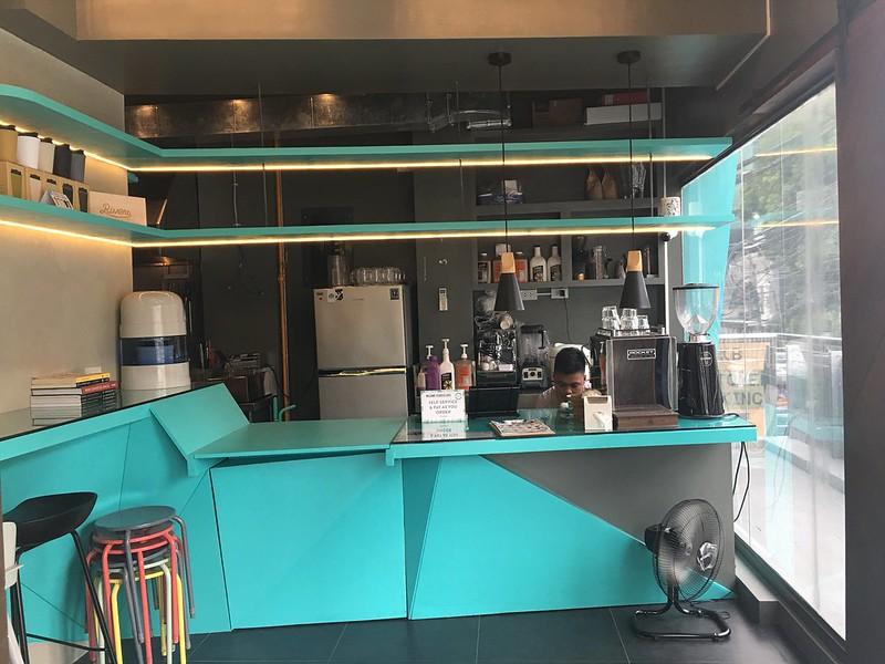 Hustle Cafe, Tomas Morato