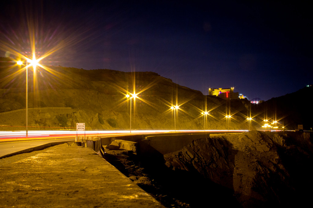 Alhada Mountain Highway at Night Makkah Region Saudi Arabia (4)