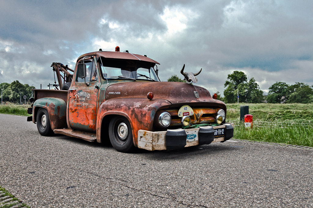 Ford F-100 Towing Truck 1953 (6617)