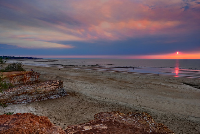 During the northern bushfire smoke season, night seems to precede sunset