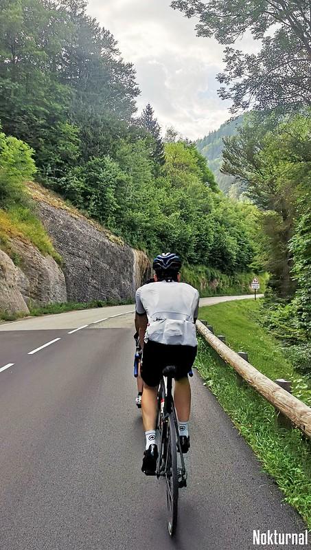 C'est parti pour 200km: départ de Grenoble, montée Saint Nizier