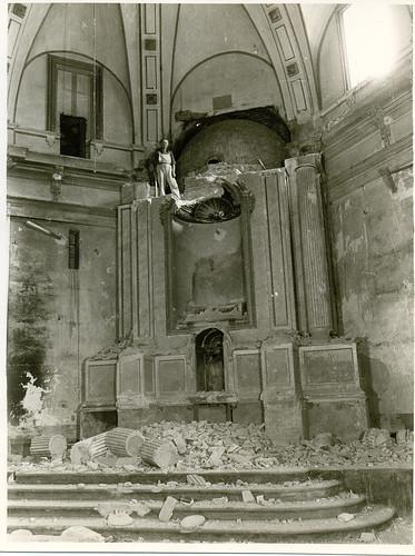 24.- Demolição do altar-mor