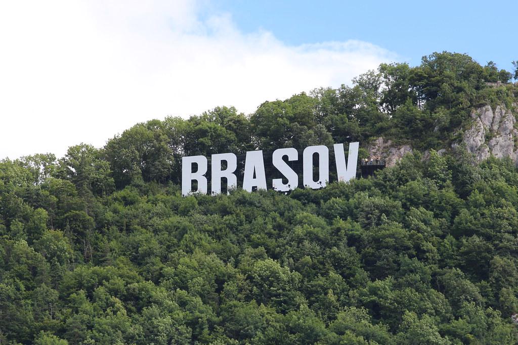 Romanian kiertomatka | Brasov | Tampa-kukkula ja Hollywood-tyylinen kyltti