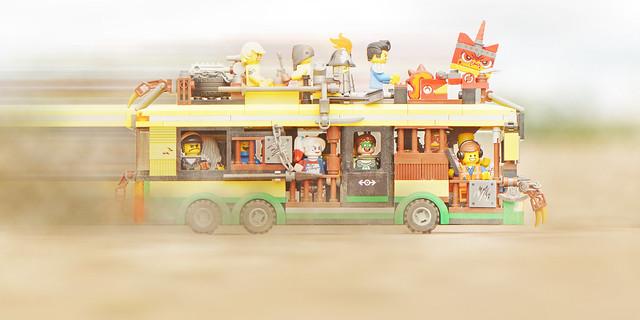 LEGO Apocalypseburg Bus MOC