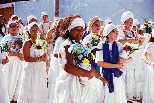 """""""3ª Lavagem das Escadarias da Igreja de Nossa Senhora do Rosário e São Benedito"""", Cuiabá, Mato Grosso, Brasil (fotografia analógica - Nikon F401S, 55-200mm, Kodak Ultramax 400)."""