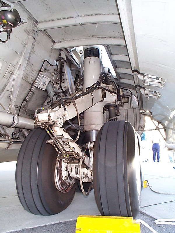 Lockheed C-141 Starlifter 4