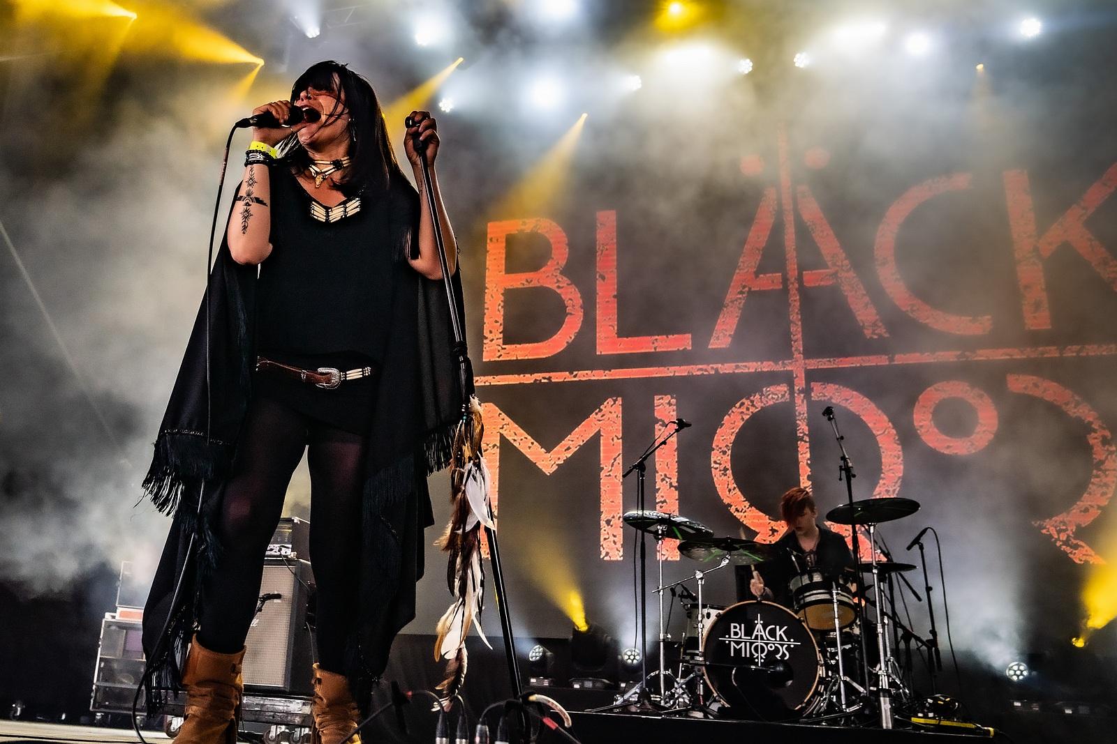 Black Mirrors 01