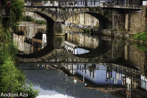 el rio con poco caudal