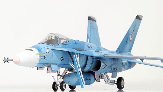 F-18A_VFC-12_001