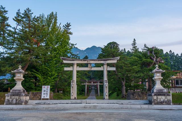 岩木山と岩木山神社への参道